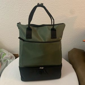 DSW GreenBlack Light Travel 3 Compartment Backpack